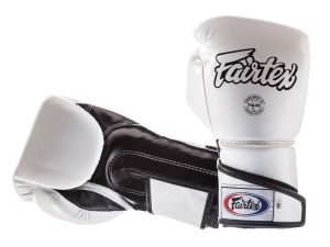 "RĘKAWICE BOKSERSKIE FAIRTEX BGV6 (white/black) ""ANGULAR SPARRING"""